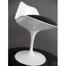 Chaises modèle Tulipe Sarrinen